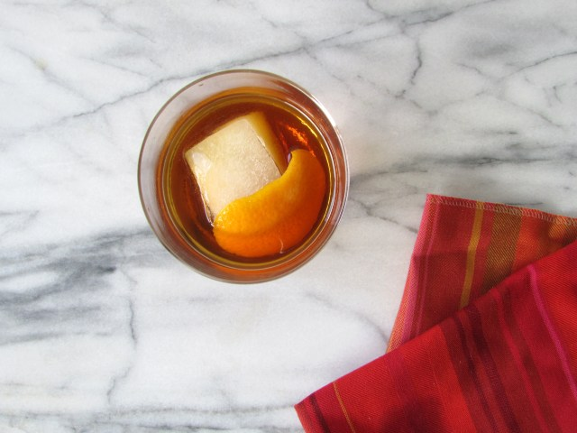 Bourbon Manhattan with Cherry Bark Vanilla Bitters - Francois et Moi